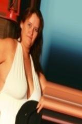 single woman seeking women in Champaign, Illinois